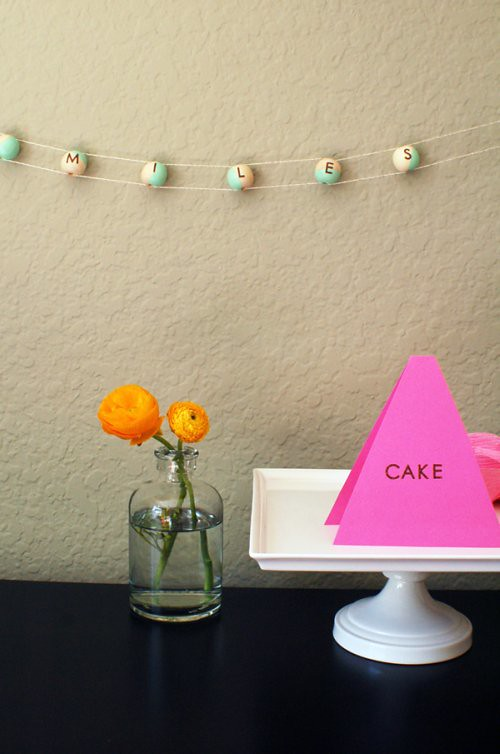 CupcakesCutlery-Pace-Garland-on-wall-with-name