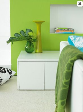 bright_retro_carpet_green_living_room