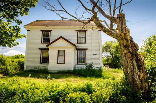 house canada abandoned novascotia farm bayoffundy ruraldecay hantscounty mtuniacke
