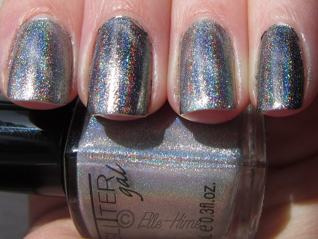 Princessly Polished: Holographic Magnetic Nails!