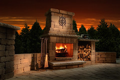 Compact Colonial Fireplace