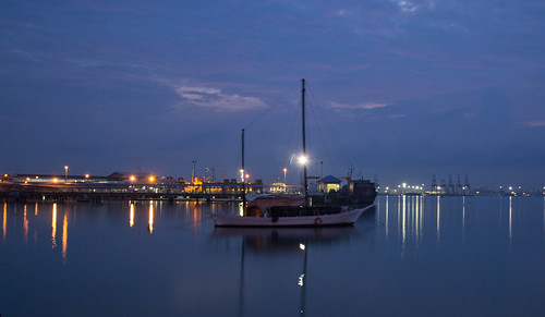 Ship at Chew Jetty Penang by andruphotography