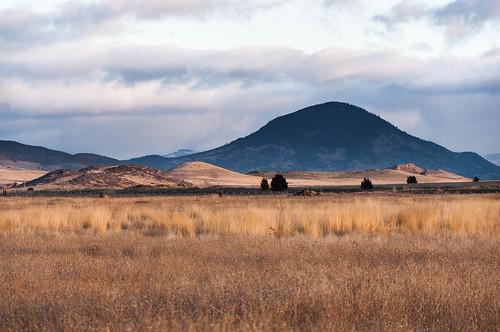 california ca sunrise landscape blackmountain montague shastavalley shastaphotowalk