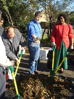 Hands-on training in secondary composting at SIDA's International Training Program in 2005 (source: SEI)