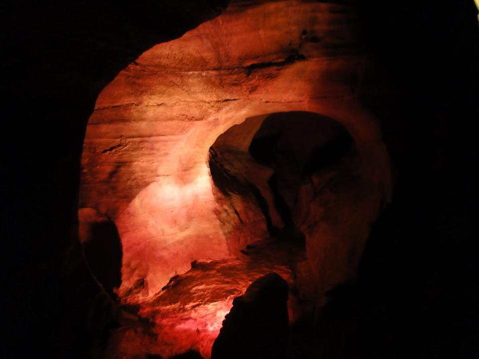 75-2apr12_3036_Howe Caverns_Adirondacks