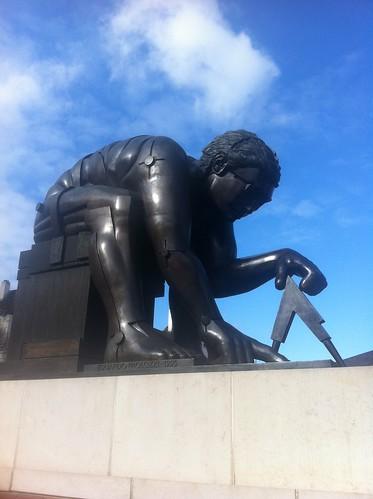 Newton statue 2