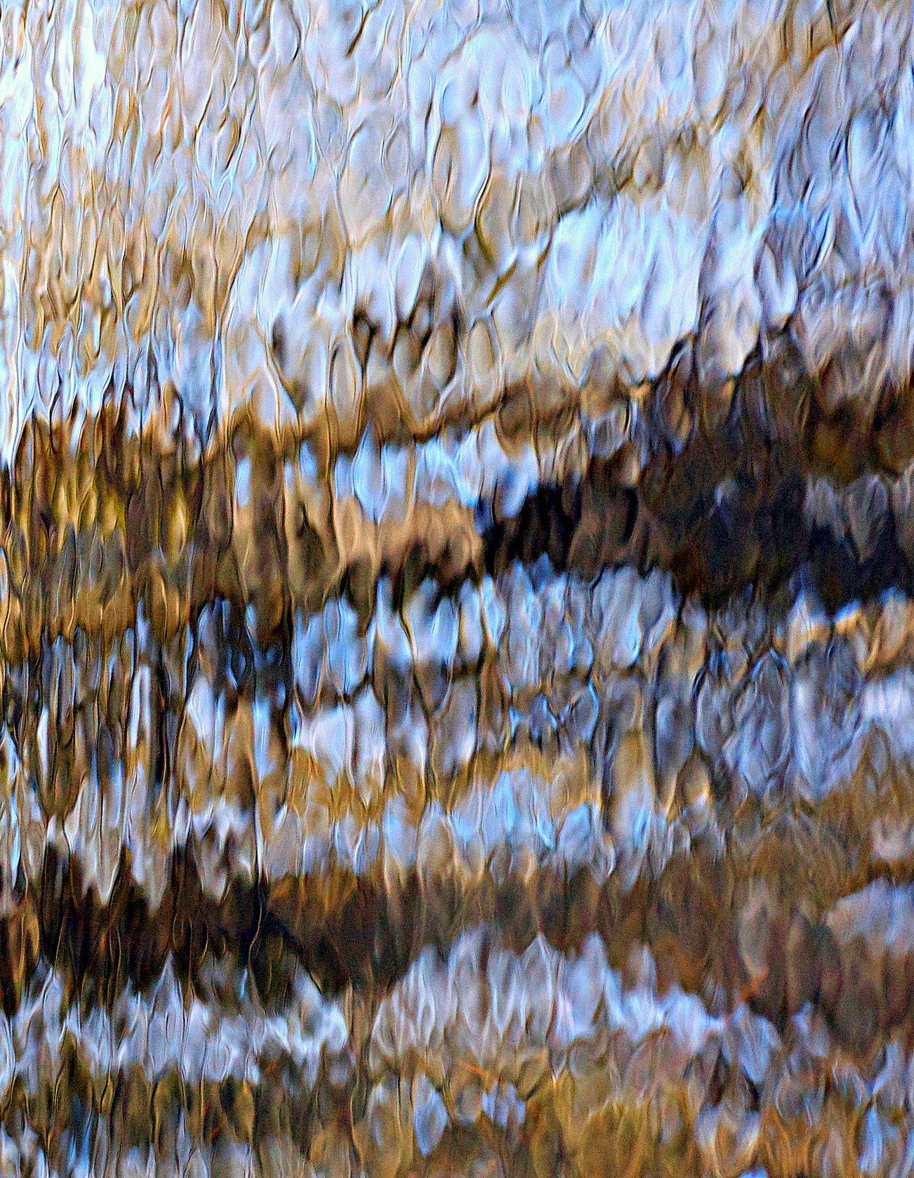 Abstract: Glisten