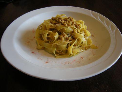 Tagliatelle al ragù di salsiccia gialla di Modena