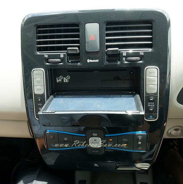 nissan leaf - all electric car-033