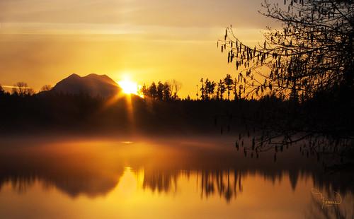 longexposure sun lake mountains reflection water silhouette sunrise canon landscape shoreline atmosphere rainier washingtonstate mtrainier t4i bigstopper 1riverat matthewreichel