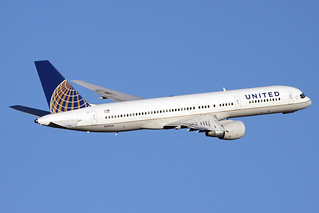 United Airlines Boeing 757-222 N519UA