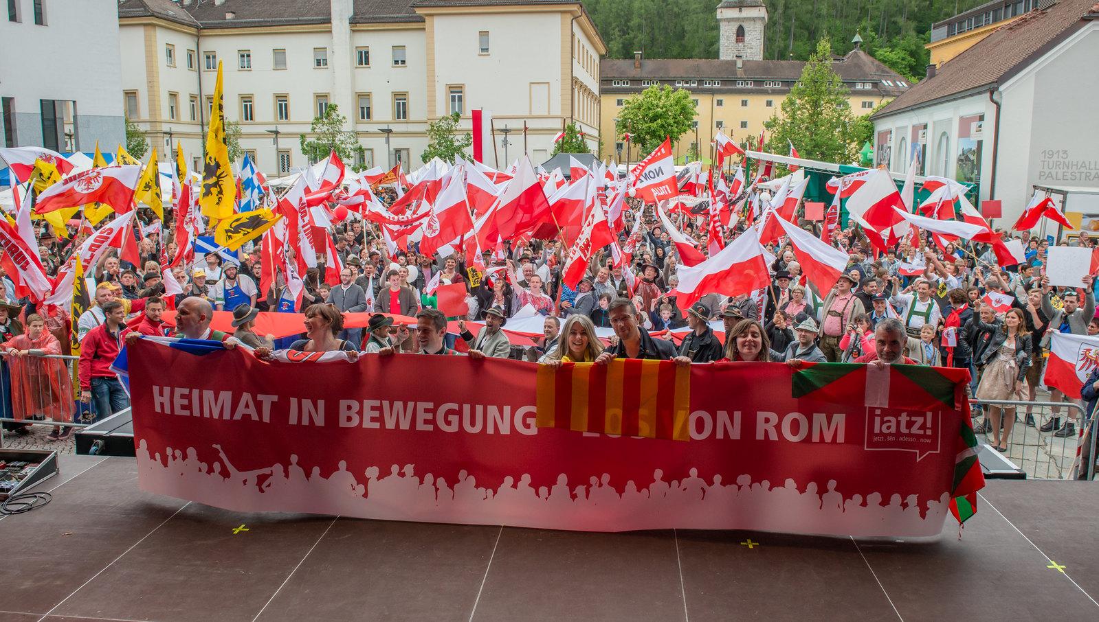 Unabhängigkeitstag in Bruneck, 14.05.2016