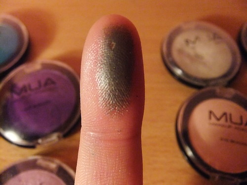 Review | MUA Eyeshadow in Shade 11 Swatch