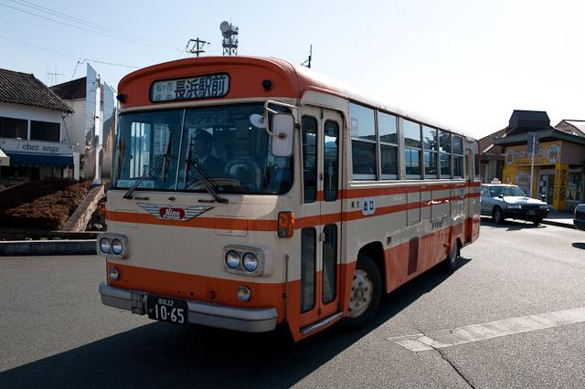 伊予鉄南予バス 日野 K-RL321 長浜駅前