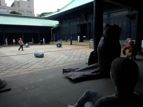 湯島聖堂で、彫塑展開催中