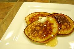junk food(0.0), crumpet(0.0), produce(0.0), dessert(0.0), meal(1.0), breakfast(1.0), food(1.0), dish(1.0), pancake(1.0),
