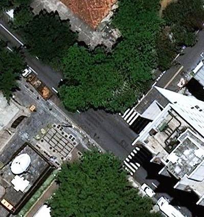 Rua São Carlos com Pinhal com a Alameda Rio Claro - uma faixa a menos