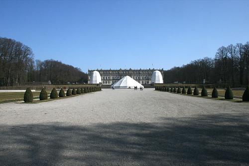 Schloss Herrenchiemsee & abgedeckte Brunnen