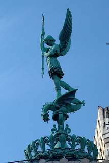 Image of Statue de Saint-Michel terrassant le dragon. france statue lyon basilique