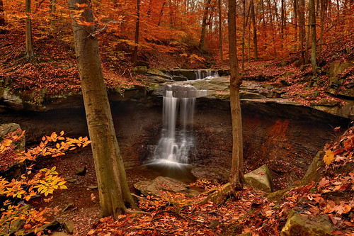autumn color fall nature waterfall nikon hdr cuyahogavalleynationalpark ndfilter cvnp photomatix bluehenfalls ohiowaterfall nikond90 exposurefused