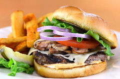 sandwich, hamburger, slider, meat, bã¡nh mã¬, produce, food, dish, breakfast sandwich, fast food, cheeseburger,