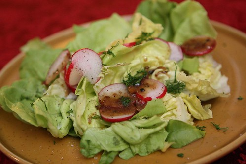 Butter Lettuce with Radish and Dill