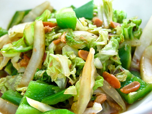 IMG_2133  Chinese cabbage , green capsicum with fermented salted bean , 黄白,灯笼椒炒豆瓣酱