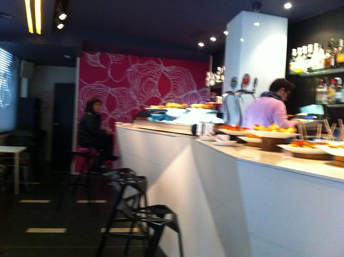 107.SOIZ un bonito pero frio bar en el Casco Viejo de Bilbao by LaVisitaComunicacion