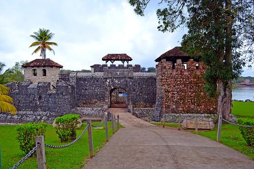 Castillo de San Felipe, Rio Dulce, Guatemala by Adalberto.H.Vega