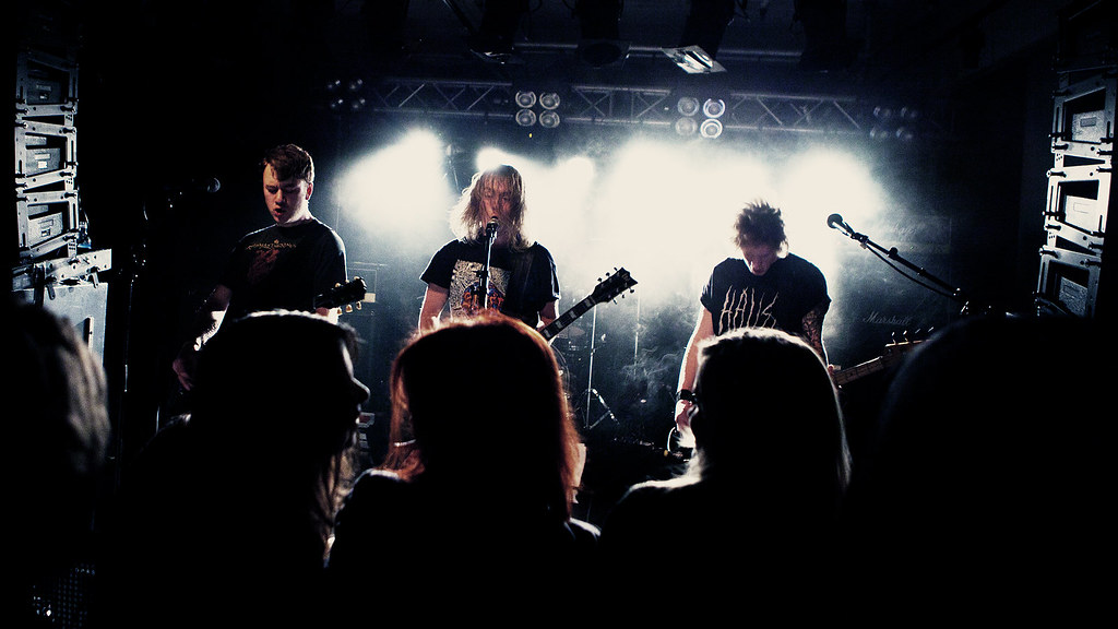 Overthrow - by:Larm 2012