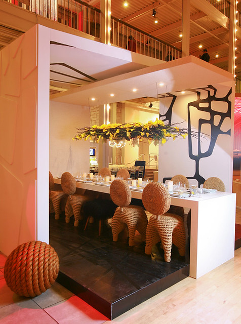 6906870835 618022ebf3 z Always a Feast for the Eyes: DIFFA's Dining by Design
