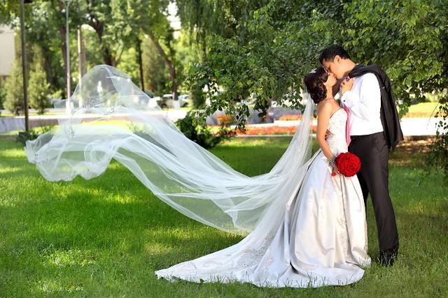 Bridal Styles Bride Nargiza, Cathedral veil