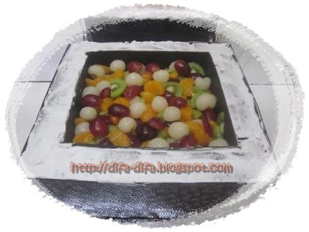 Fruits in Gift Box by DiFa Cakes