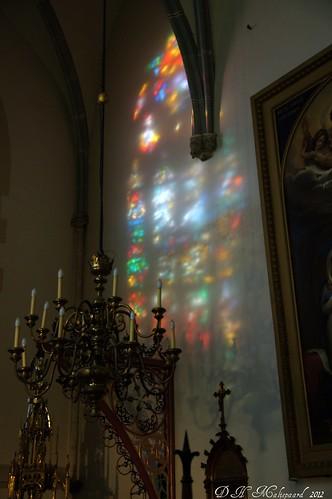 Reflectie. Glas en loodraam .St Jan  den Bosch.   Explore !! by ditmaliepaard