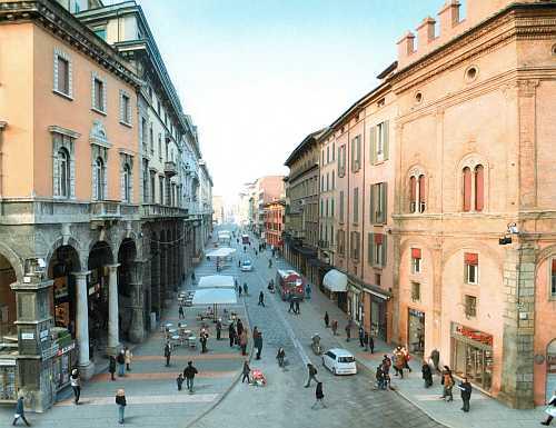 La citt che vorremmo confcommercio ascom bologna for Dormire a bologna centro storico