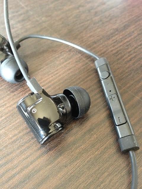 Bluetoothイヤホン LBT-MPHP04A
