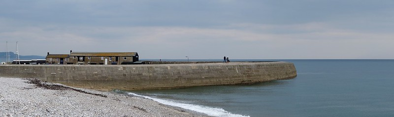 25844 - Lyme Regis
