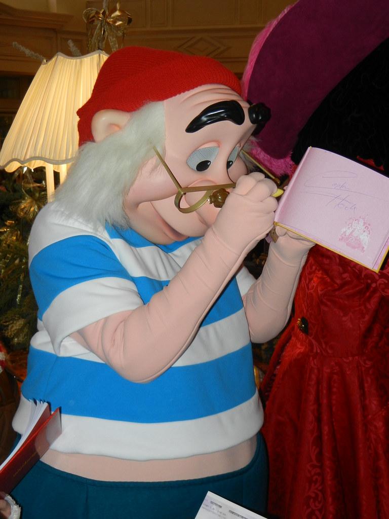 Un séjour pour la Noël à Disneyland et au Royaume d'Arendelle.... - Page 4 13693574694_7b446a7473_b