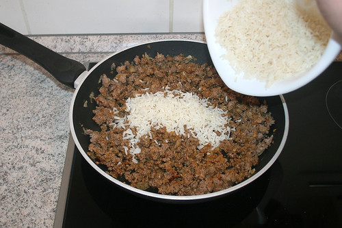 19 - Reis zum Hackfleisch geben / Add rice to ground meat