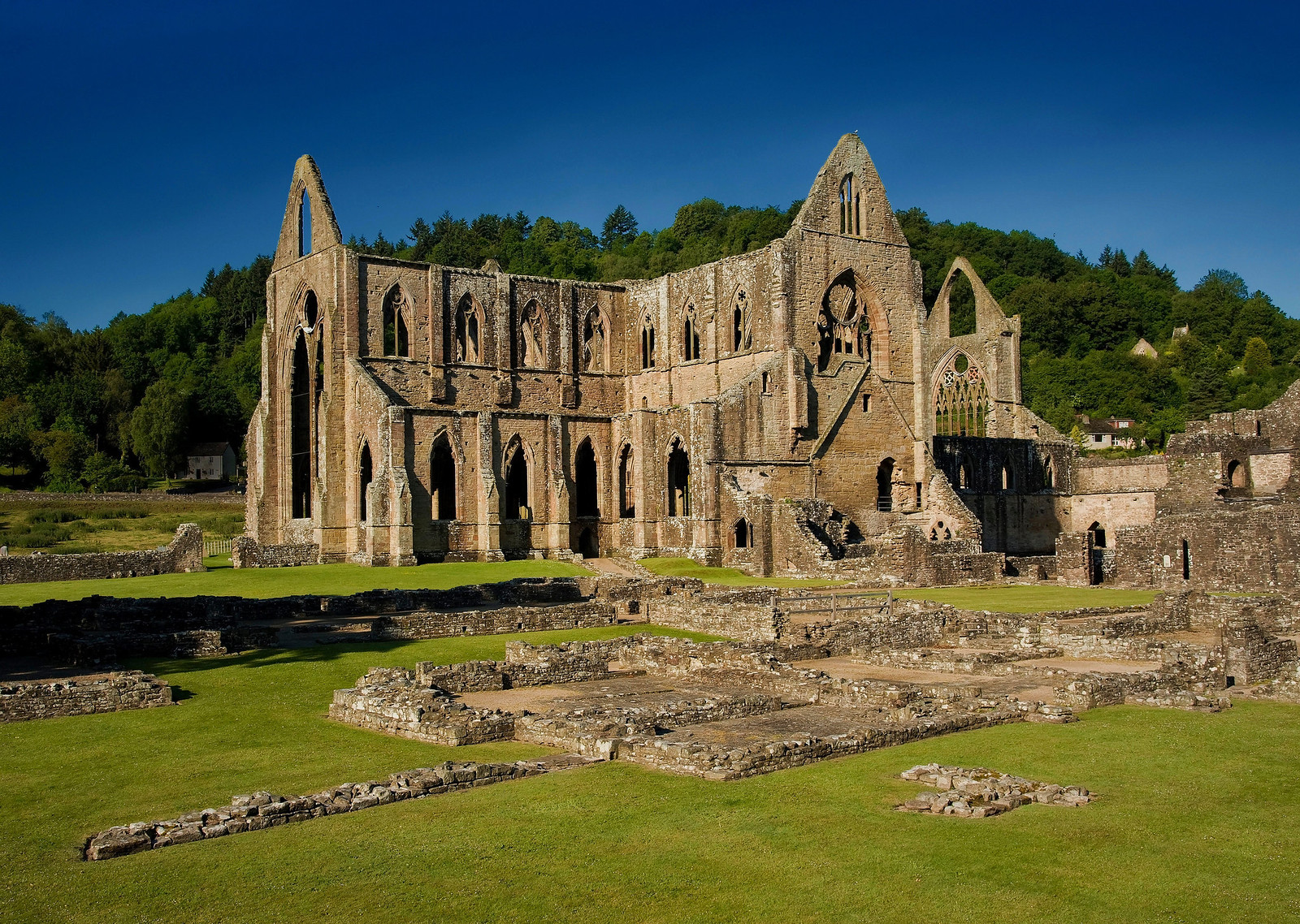 Tintern Abbey and Courtyard. Credit Saffron Blaze