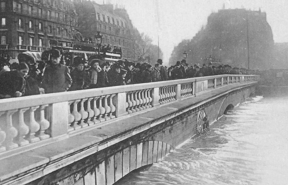 amazing photos capture 1910 great flood of paris v 2016