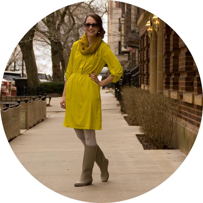 neon green, dash dot dotty, old navy dress, charmeuse tab-sleeve dress, neon green, mustard yellow, ochre, rain boots, loeffler randall, ootd, how to wear