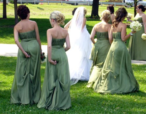 bridesmaid-wedgies