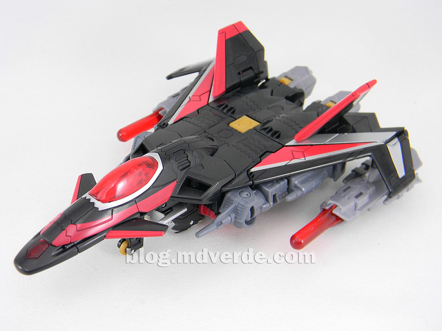 Transformers Sky Shadow Deluxe - Generations - modo alterno