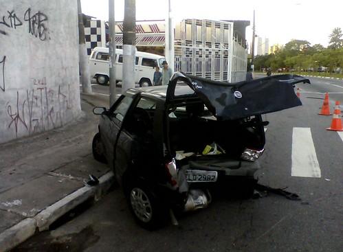 Acidente na Av. Inajar de Souza x R. Cesário Verde (Vila Nova Cachoeirinha)