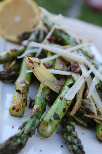 6852680056 fcb3c7f8e0 Grilled Asparagus and Artichoke Hearts