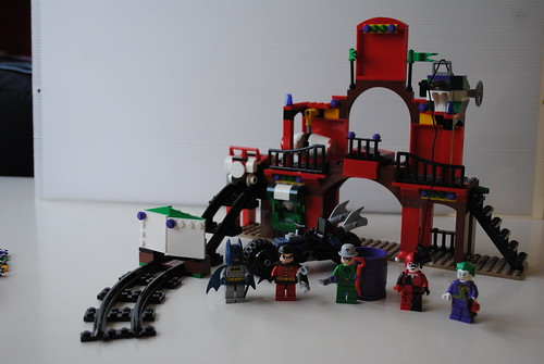 [Review] Super Heroes 6857: The Dynamic Duo Funhouse Escape 6863704773_b828cf5882