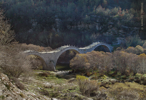 BAGIA STONE BRIDGE (GREECE, EPIRUS, ZAGORIA, KIPI)