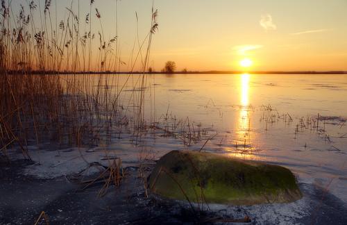 sunset lake ice island pond sundown reservoir lithuania lietuva theworldwelivein lazdininkai bestofshining