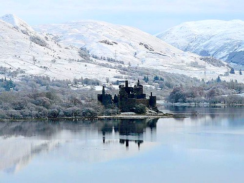 Kilchurn castle on loch awe .....